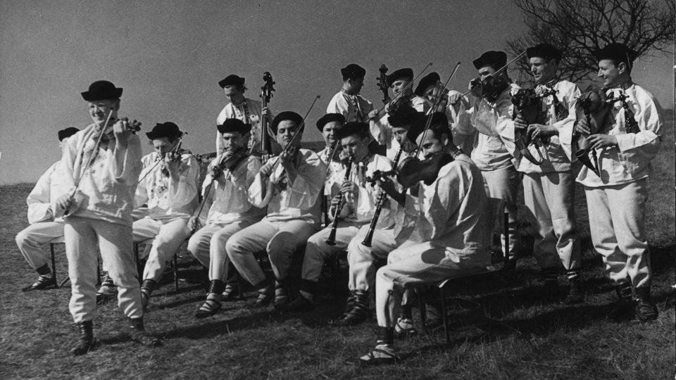 Primáš Zdeněk Nečesánek a orchestr (rok 1961)