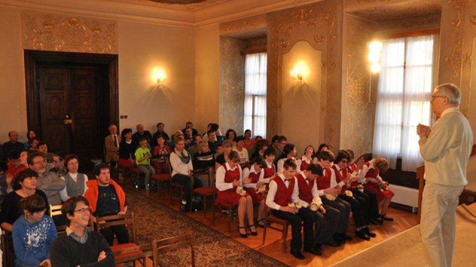 Žáci a pedagogové Školy J. Ježka