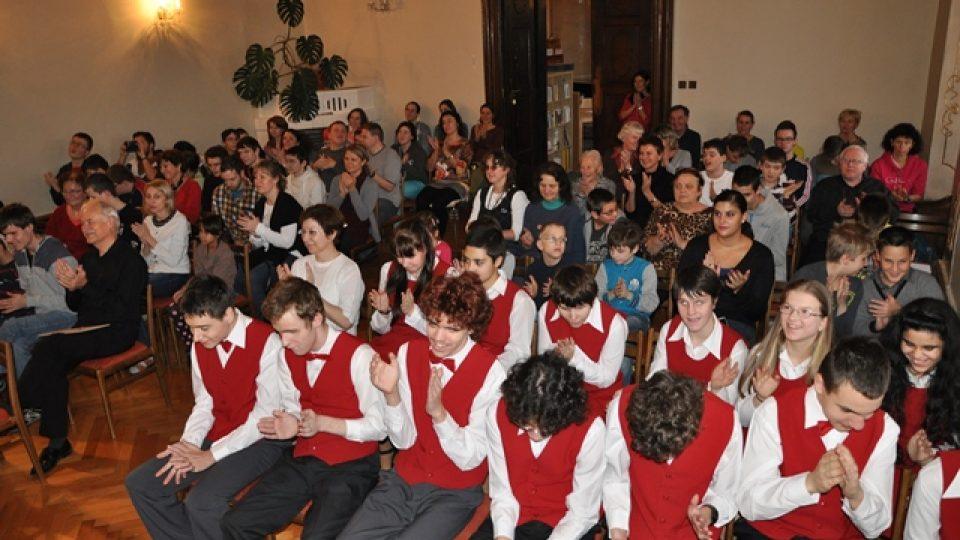 Koncert pro nevidomé děti ve Škole J. Ježka