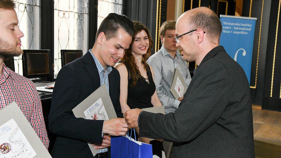 Předávání cen vítězům Mezinárodní hudební soutěže Pražské jaro